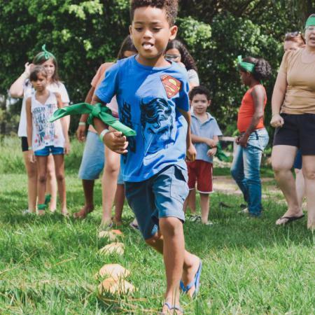 Leren omgaan met verschil: Roots vzw en Scouts en Gidsen Vlaanderen versterken elkaars werking
